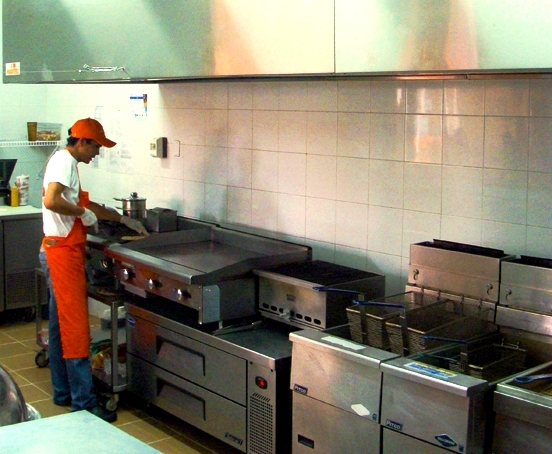 La cocina industrial de hooters en cali equipos para for Cocinas y equipos